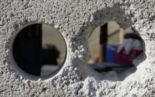 Как заделать дырку в стене